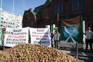 Aktion vor der BASF-Hauptversammlung